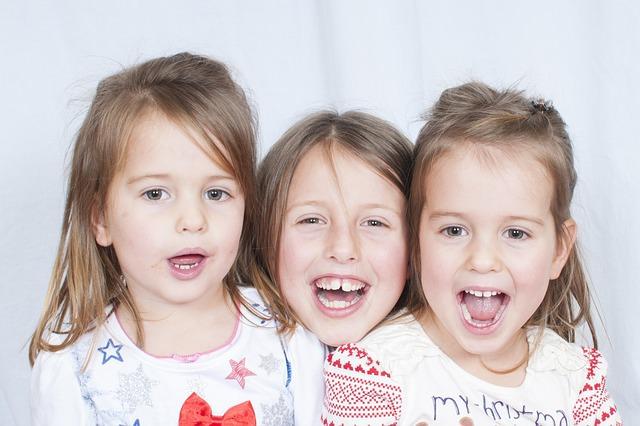 child-1260421_640_mini