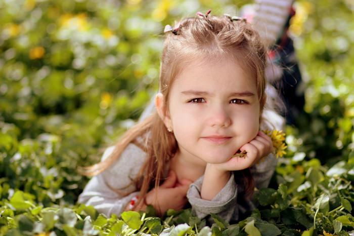 girl-1250679_1280_mini