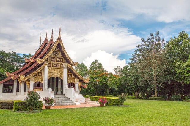 temple-in-university-1633658-639x426